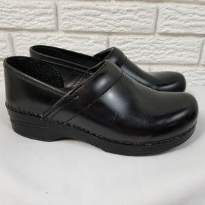 Dansko Professional Clogs 39 US 8.5-9 Black